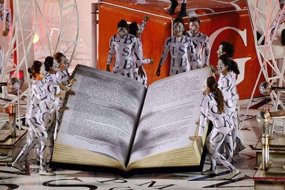 Salgueiro samba school celebrate Carnival of books!
